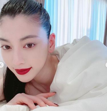 女優 三吉彩花の交友関係が凄すぎる!!ハリウッドスターから韓国アイドルまで??